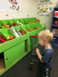 www.theshortesttallman.com A Visit to the Utica Children's Museum!
