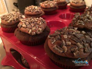 Peppermint Mocha Cupcakes! www.theshortesttallman.com